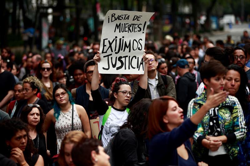 Forenses sin evidencia de que 3 estudiantes mexicanos fueron desintegrados .jpg