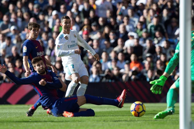 El Barça exhibe su doblete y el Real Madrid la final de la Champions .jpg