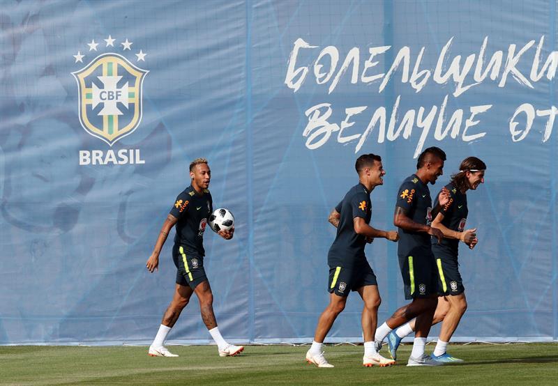 Team Brasil Brazil - World Cup 2018 Copa Mundial Neymar.jpg