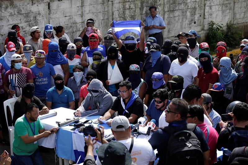 La Fiscalía de Nicaragua acusa de terrorismo a un líder manifestante de Masaya, Cristhian Fajardo, uno de los líderes de la revuelta en la ciudad de Masaya.
