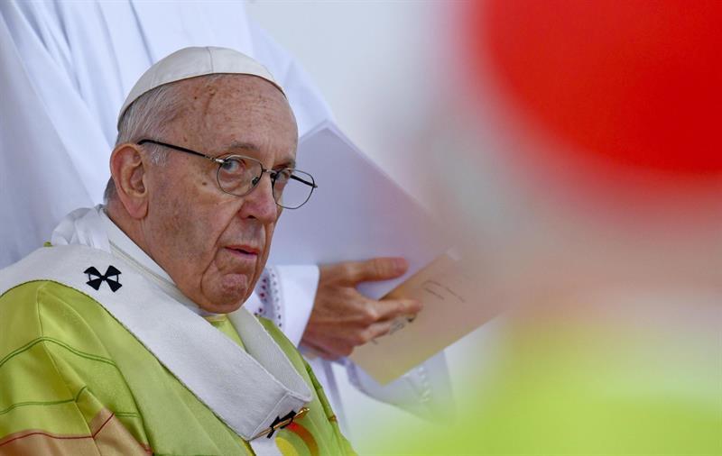 El papa Francisco celebra la Misa de clausura del Encuentro Mundial de Familias en el Phoenix Park, ante más de 500.000 fieles, en Dublín, Irlanda.