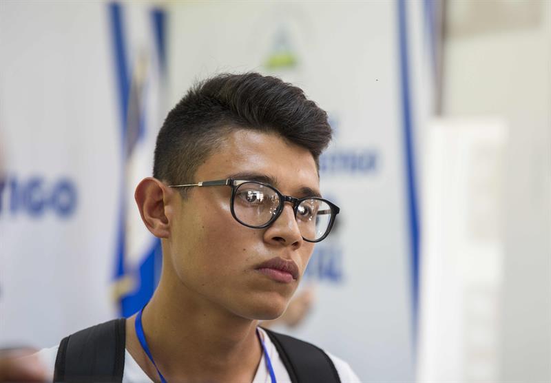 En la imagen, el estudiante nicaragüense Lesther Alemán.