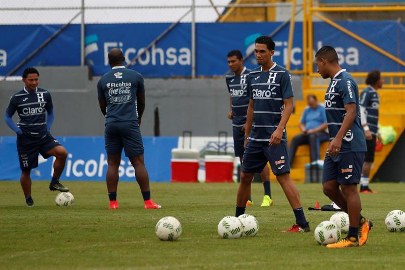La selección nacional de fútbol de Honduras enfrentará en un partido amistoso a su similar de Emiratos Árabes Unidos, el 11 de octubre próximo en Barcelona.