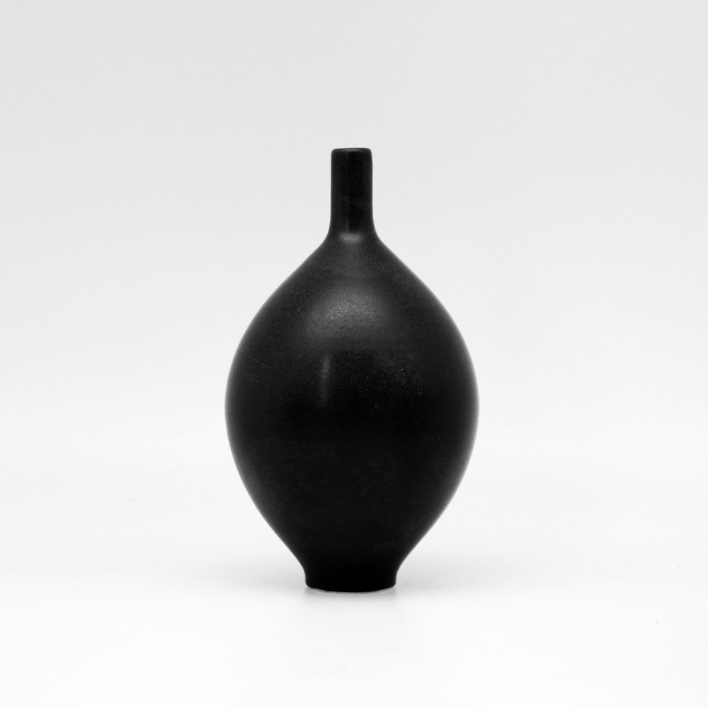 Black Teardrop Orb S