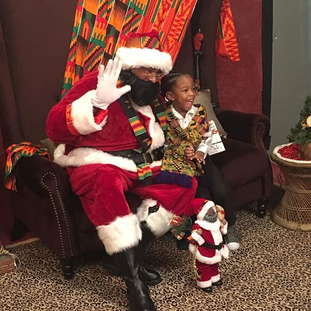 Overjoyed about our photo shoot in Brampton. Parents were pleasantly surprised that some of them decided to be a part of the experience.  SHOUT OUT to photographer @lawrencekerrmedia  We are creating wonderful memories & history for families. @northern.ashanti colourful pop of creativity was welcomed & appreciated.  #kenteclaus #kentecloth #kentestole #HoHoHotep ##brampton #ImagiNation #christmasphotos #Christmas2018 #familyportraits #familyphotos #familyfun #familyfirst #bigcomfycouch #Bramptonfamilyphotographer