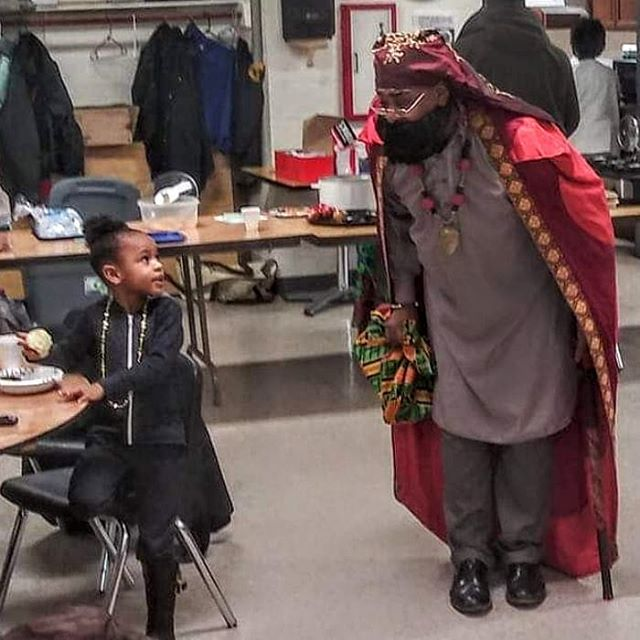 Today, I returned to Buffalo, NY to participate in the #PathOfThePanther  @blackpanthercamp free breakfast.. I wasn't wearing the red suit but my royal garments as I spoke about  #KwanzaaInWakanda special thanks to UNIA-ACL Division #433