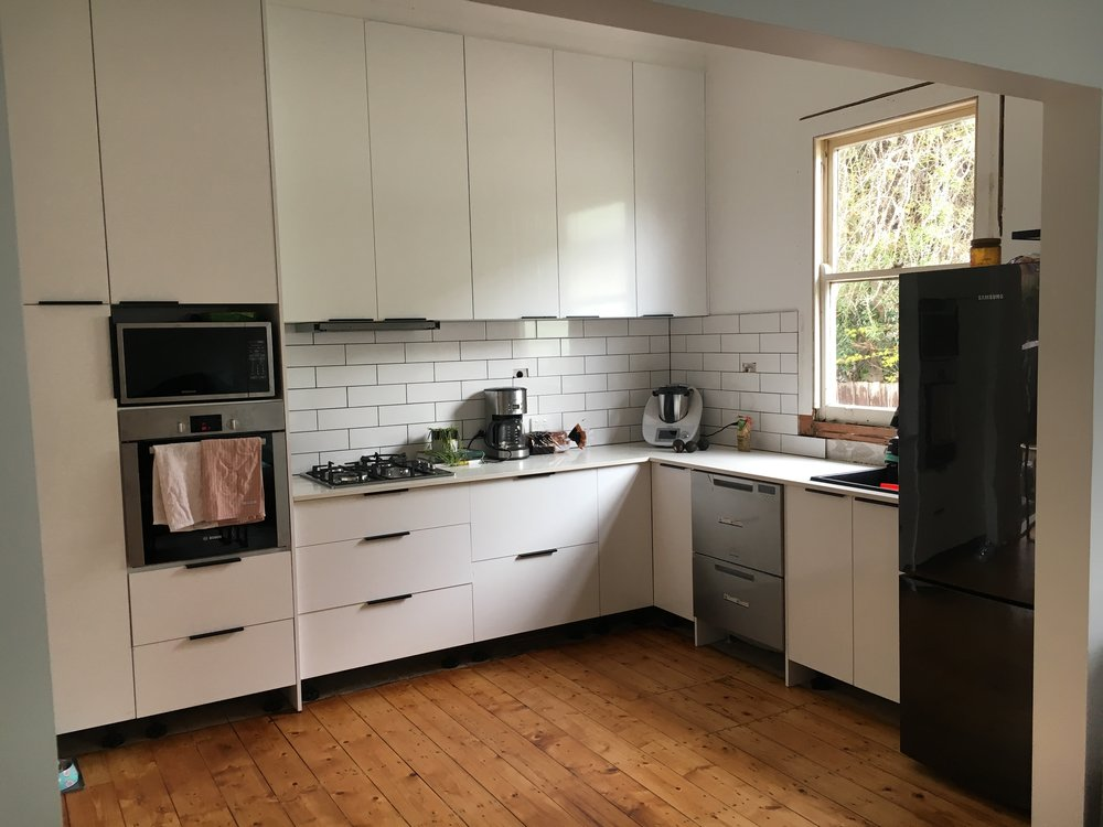 Coburg: kitchen's in!