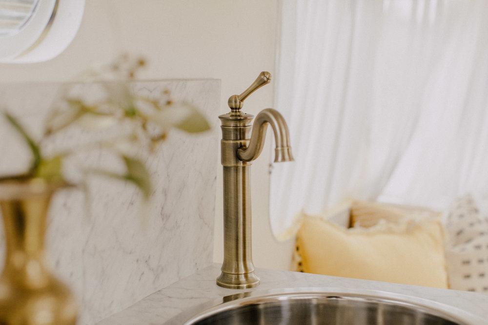 Even has a pretty kitchen sink.