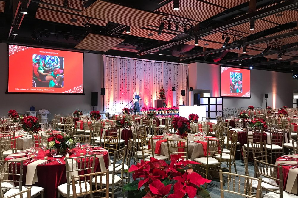 CORPORATE OR SOCIAL EVENTS - From Holiday Parties, Social Gatherings, Fashion Shows,To Store Opennings and many other notable events. We can provide the sound for your event to create a lively atmosphere that all can enjoy.