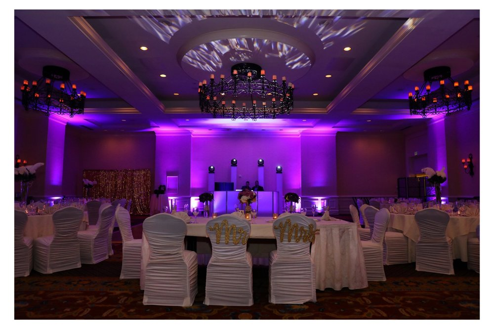 UP LIGHTING - UP LIGHTING IS THE PERFECT WAY TO CHANGE THE ATMOSPHERE OF YOUR VEUNE WHILE ADDING A TOUCH OF COLOR AND PERSONALIZATION