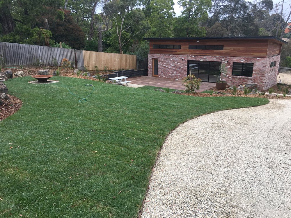 Instant turf and lilydale toppings driveway