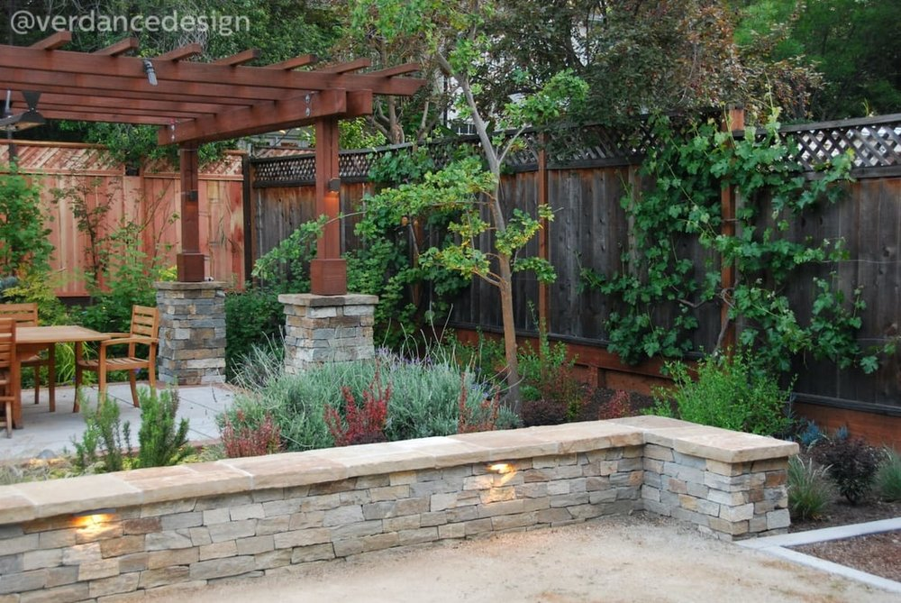 Welcome_BLA-dining-patio-south.jpg