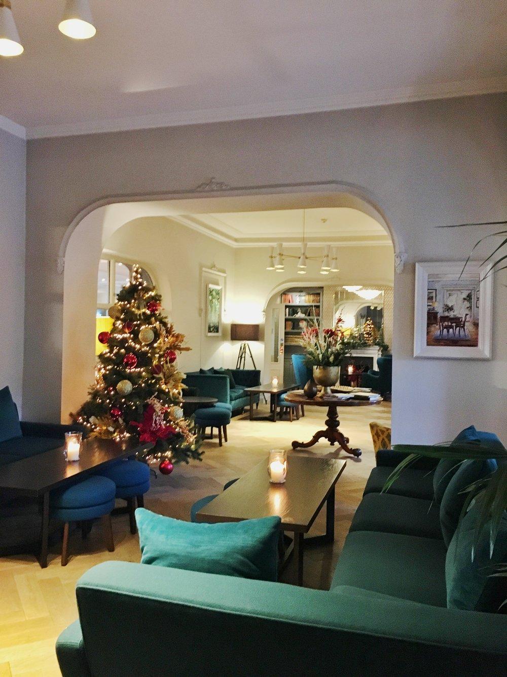 The Montenotte Hotel, Cork. www.pinaforesandpeonies.com