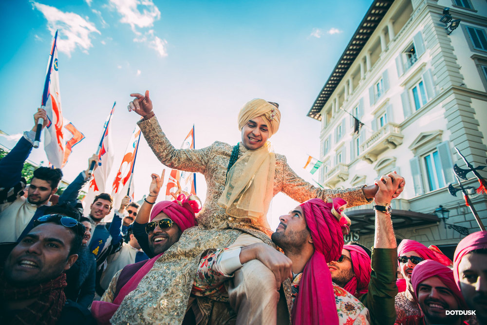 Best baraat photos captured by DOTDUSK