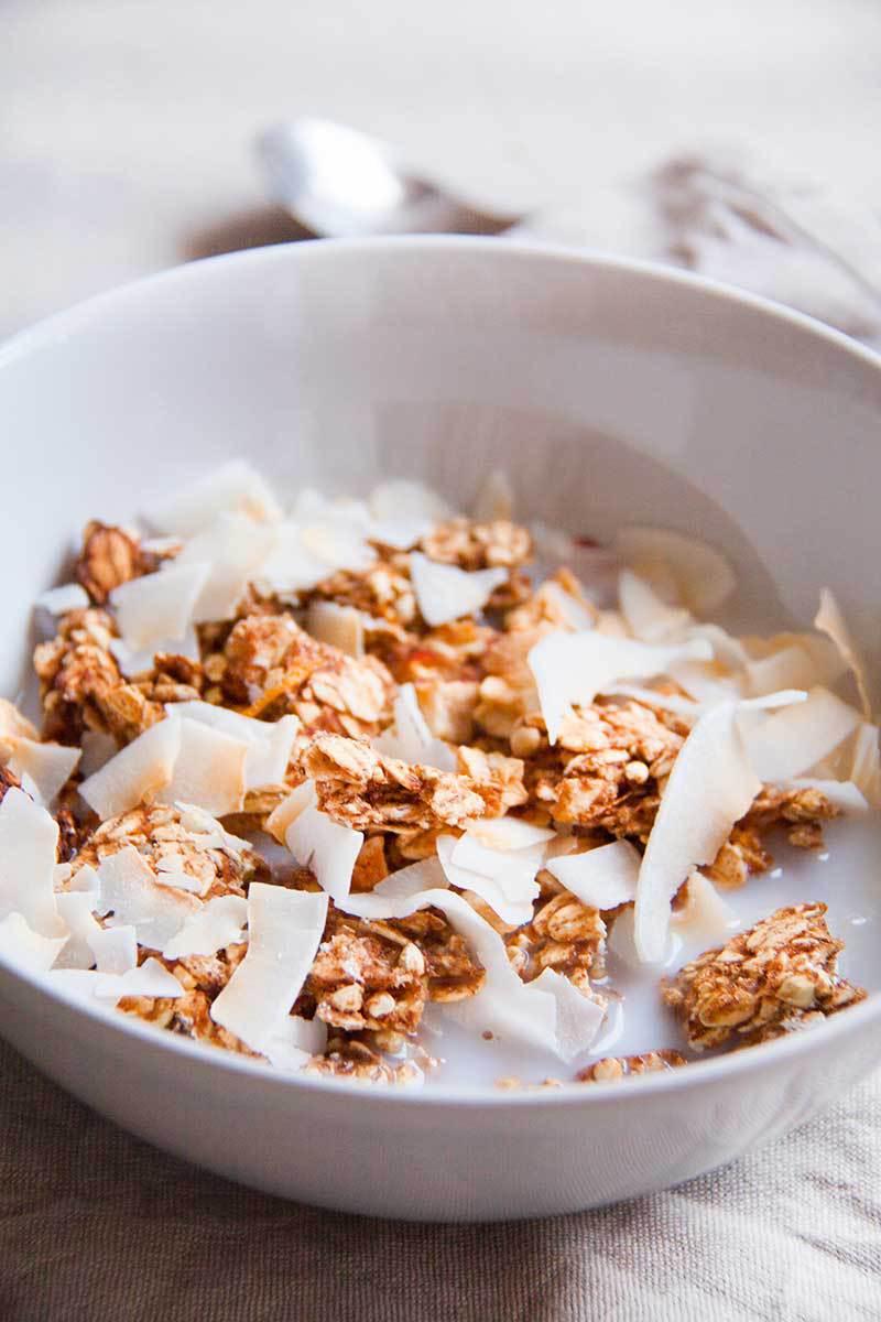 granola-sinaasappel-kokos-vegan-wholefoods-olievrij-suikervrij.jpg