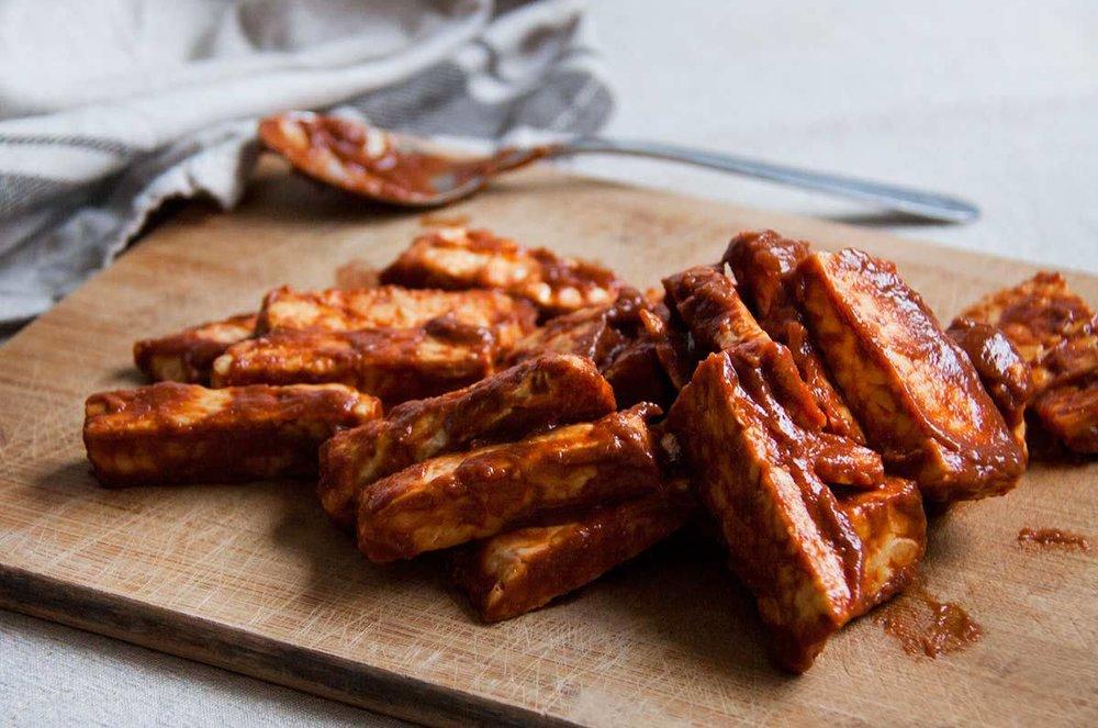 tempeh-natuurlijk-gezoete-barbecuesaus-vegan-whole-foods-olievrij.jpg