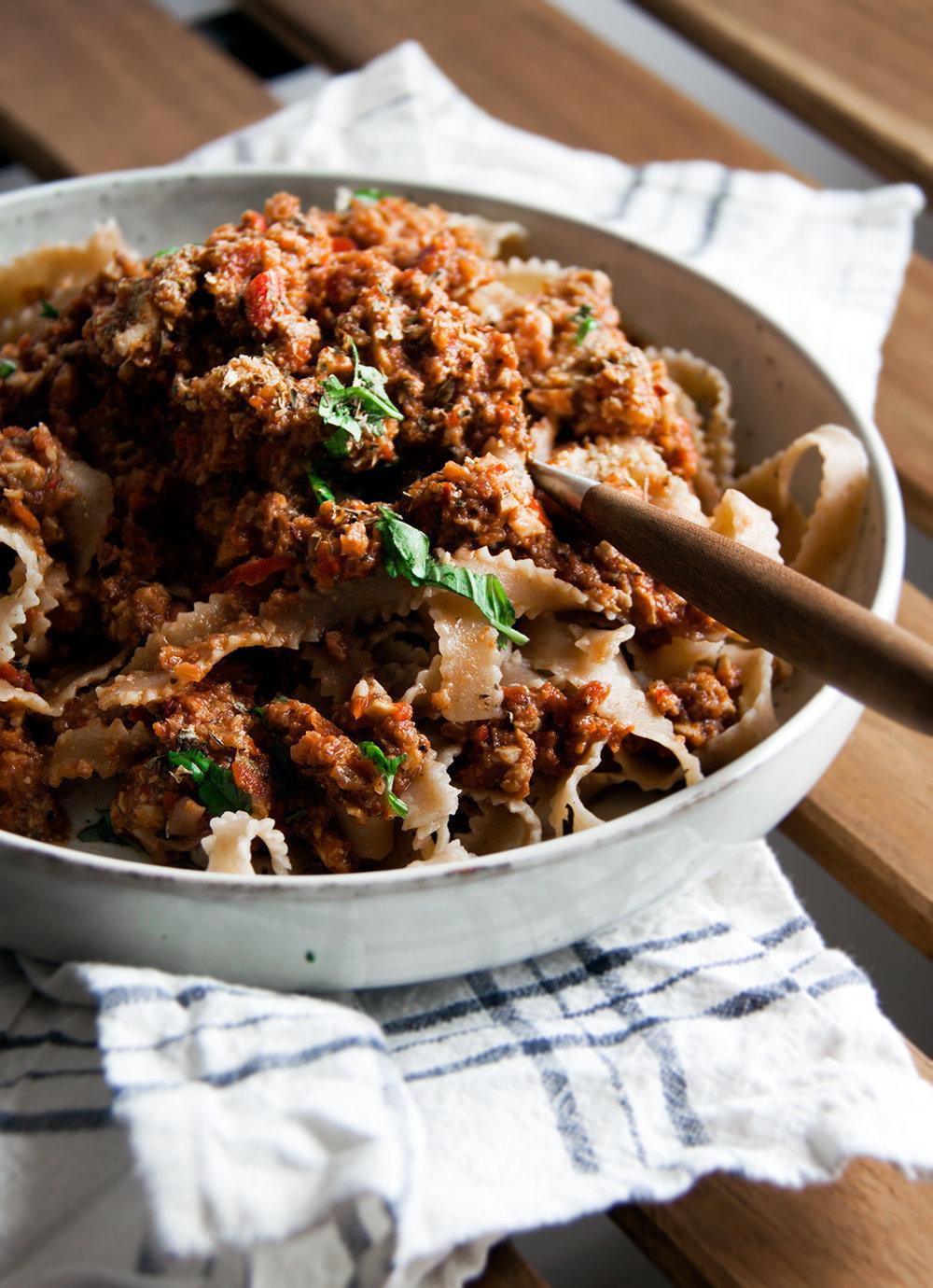 pasta-bolognese-vegan-whole-foods-olievrij.jpg