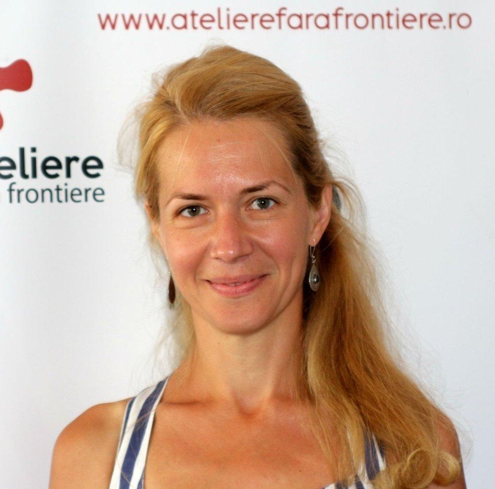 Raluca Ouriaghli - Coordonator Dezvoltare și AdvocacyDupă ce a studiat sociologie și științe politice la Sorbona și Institutul de Studii Europene Paris VIII, s-a implicat în comitete de susținere a migrantilor fără acte, a lucrat în ONG-uri internaționale, Raluca a cofondat AFF cu Patrick, Ion, Franco, Mirela, Teia și este activ implicată în coaliții și rețele naționale și europene. Crede în oameni și este convinsă că poate să schimbe lumea în fiecare zi!