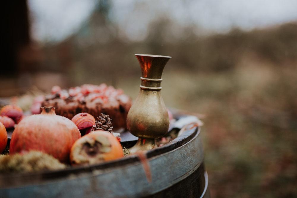 Stylizowana Sesja Ślubna w zimowym lesie AnnabellaPhotography, Fotograf ślubny Nysa (7).jpg