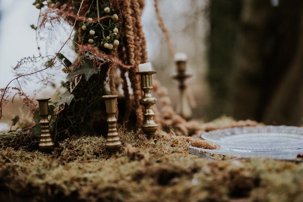 Stylizowana Sesja Ślubna w zimowym lesie AnnabellaPhotography, Fotograf ślubny Nysa (9).jpg