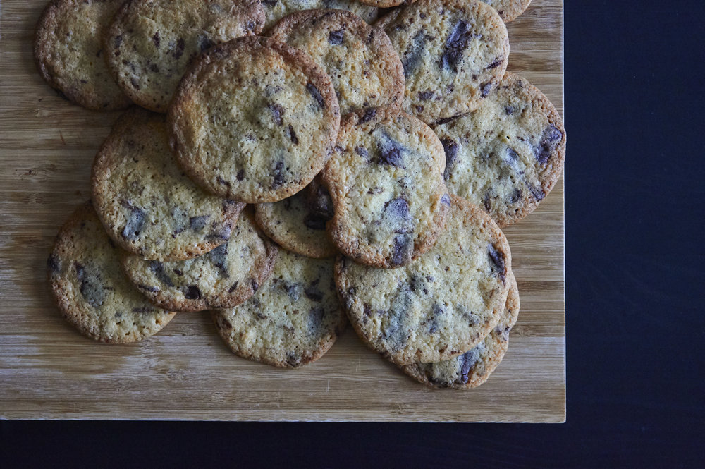 Crunchy Chocolate Chip Cookies - the cookies, ready to enjoy | In Carina's Kitchen