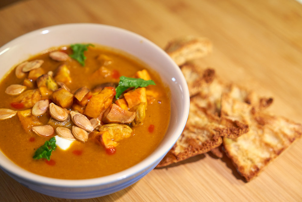 Meat-Free Monday Meal Prep | Full Day Meal Plan - dinner: pumpkin soup topped with Greek yogurt, roast sweet potato, pumpkin seeds and served with pita chips | In Carina's Kitchen