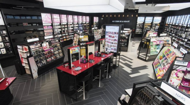 "Sephora rolls out ""New Sephora Experience"" connected store concept (Source:  LVMH )"