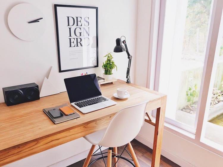 Macbook Desk Setup