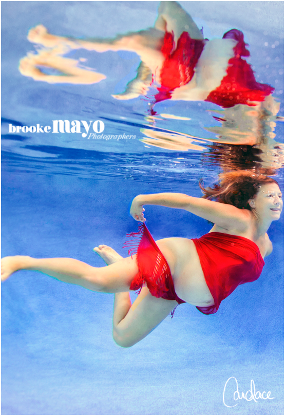 underwater maternity portraits
