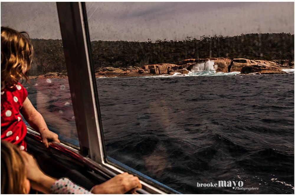 Boating around maria island
