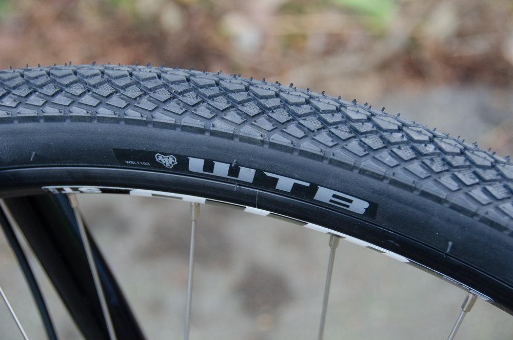 Ocho tire.jpg