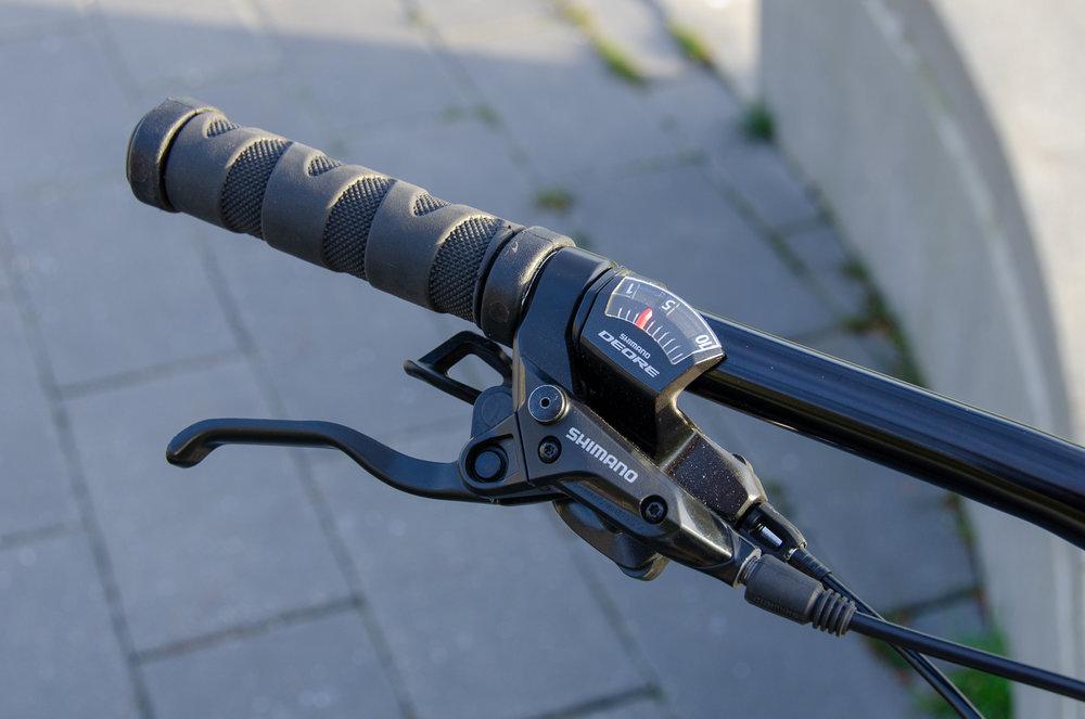 Torque right shifter & grip.jpg