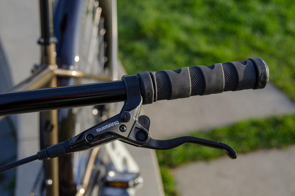 Torque left grip & brake lever.jpg