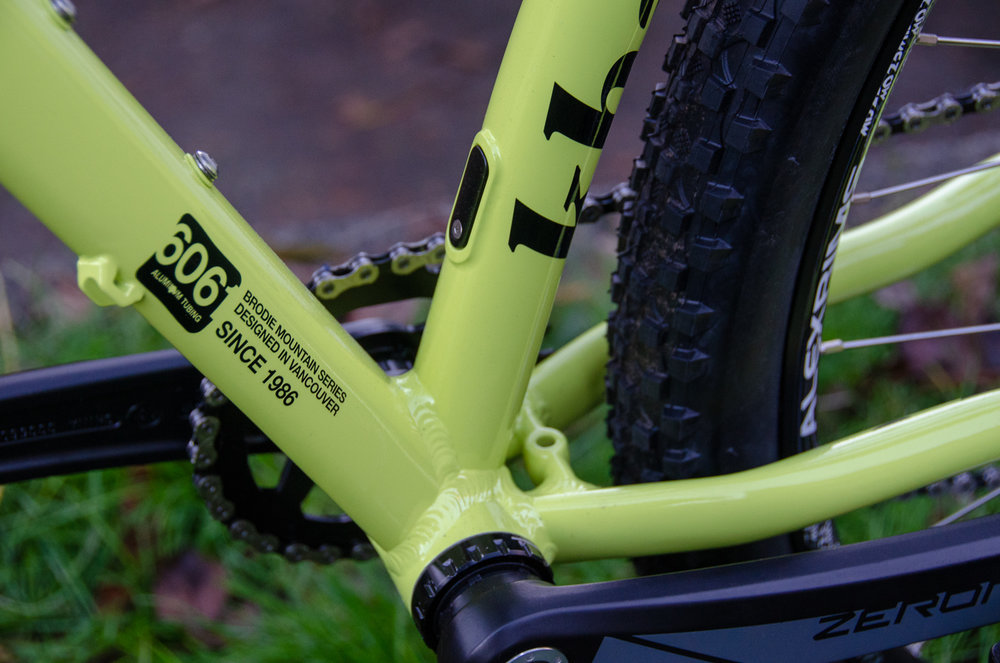 Khan Sport frame detail.jpg