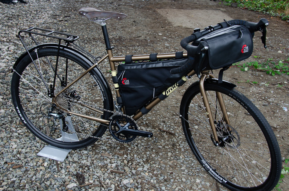 ONSight Frame Bag & Handlebar bag on Elan.jpg