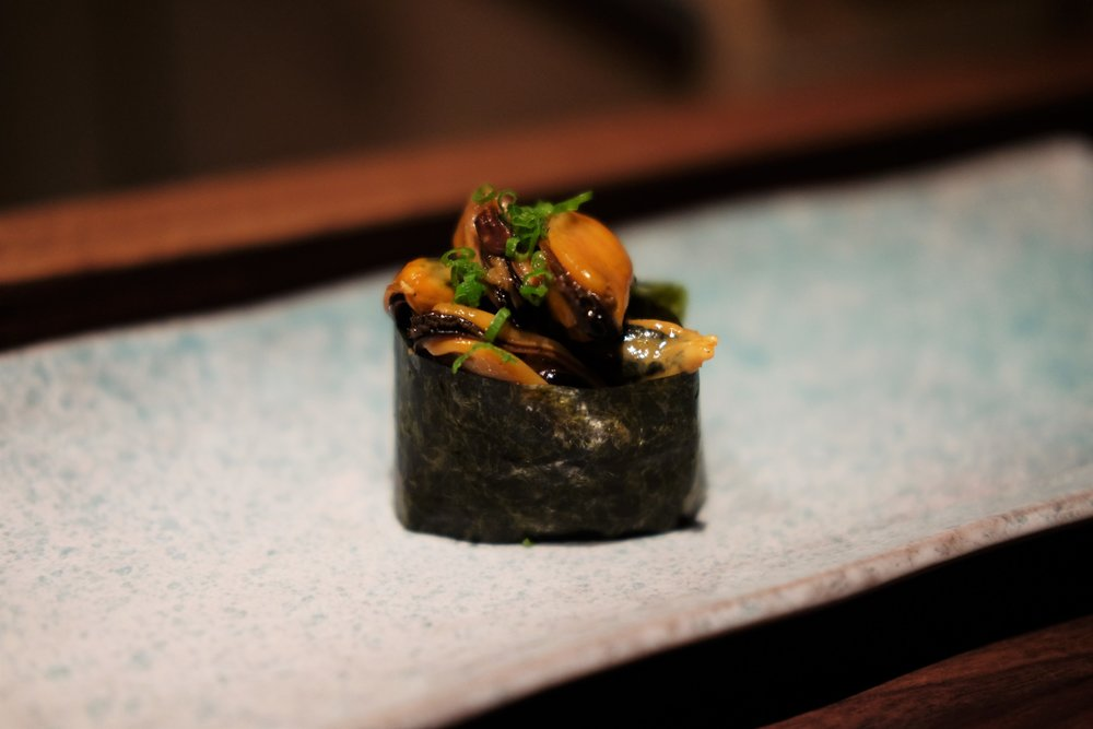 sake steamed mussels w. chives