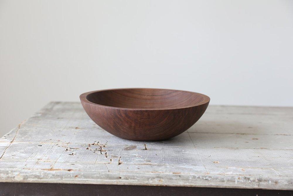 """11"""" walnut bowl"""