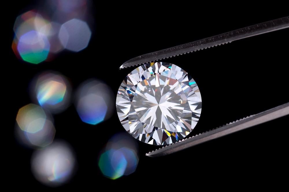 Polished-HPHT-lab-grown-synthetic-diamonds-CVD.jpg
