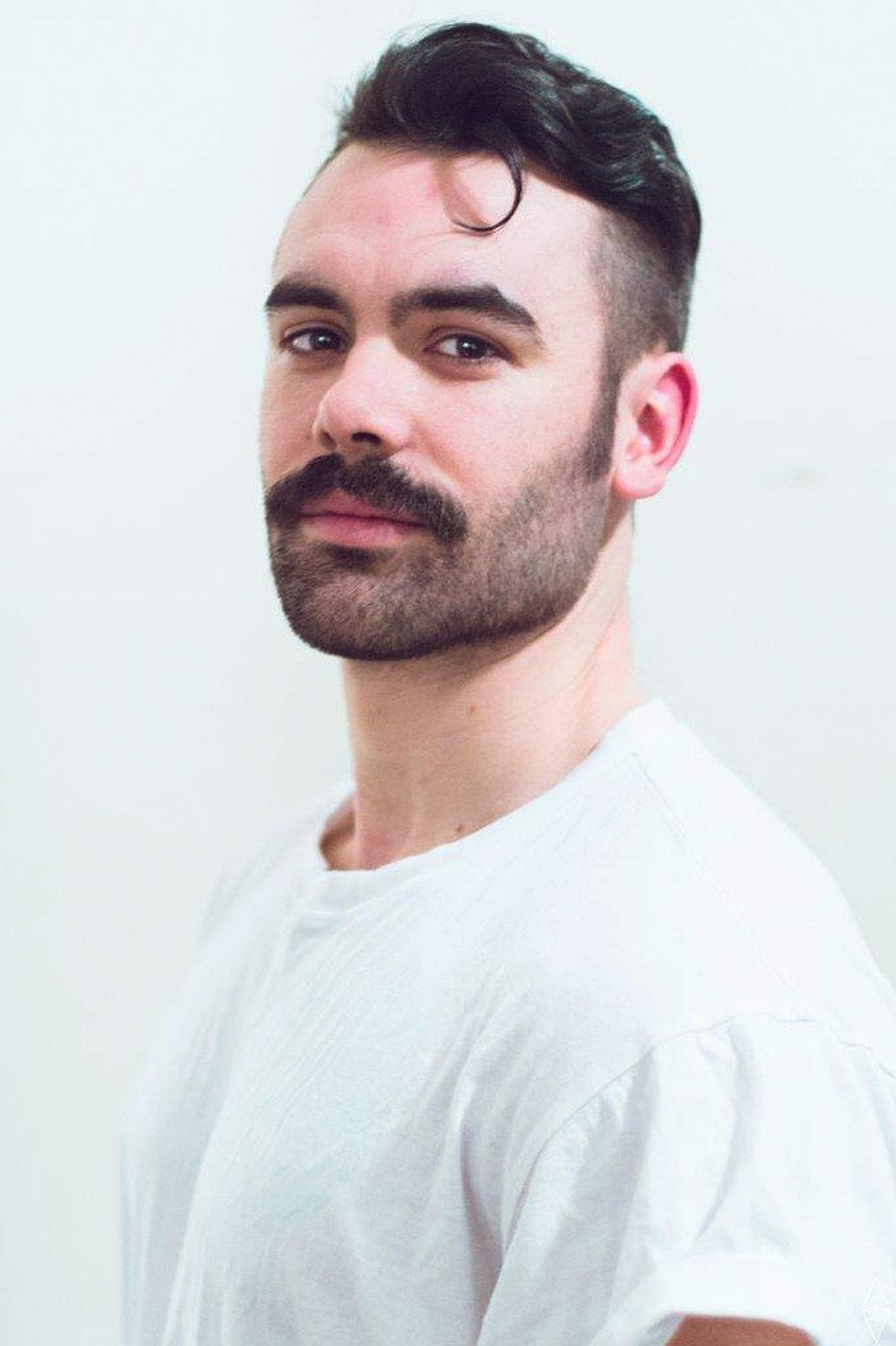 Jonathan Cloutier Photo de profil d'Artiste 1.jpg