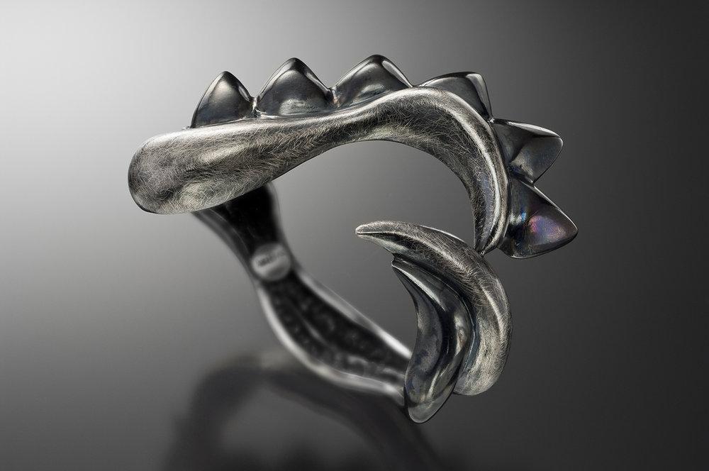 Claw Cuff, ox-silver, black grade bg 300.jpg
