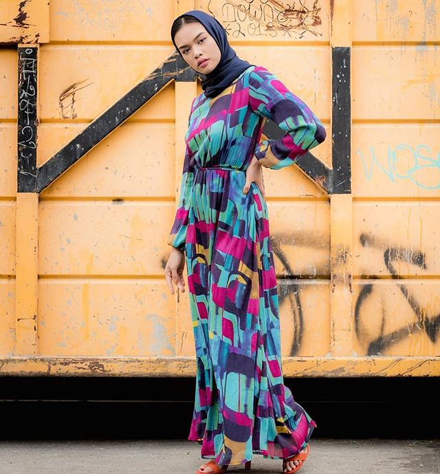 NEW MARKDOWNS!! Color Block Inayah Dress reduced in price$$ Don't miss out on our Summer Sale, up to 60% off selected items + 20% off on all orders. Use code FESTIVAL at checkout! #louellalove #eidoutfit