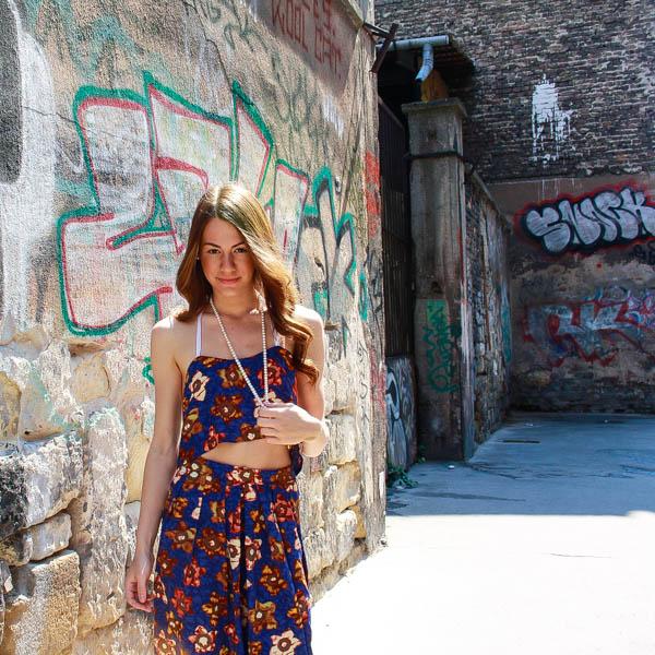 Budapest_Hungary_Graffiti_girl