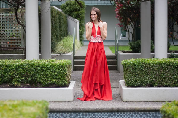 red-dress-in-the-city-turnabout-vancouver-9