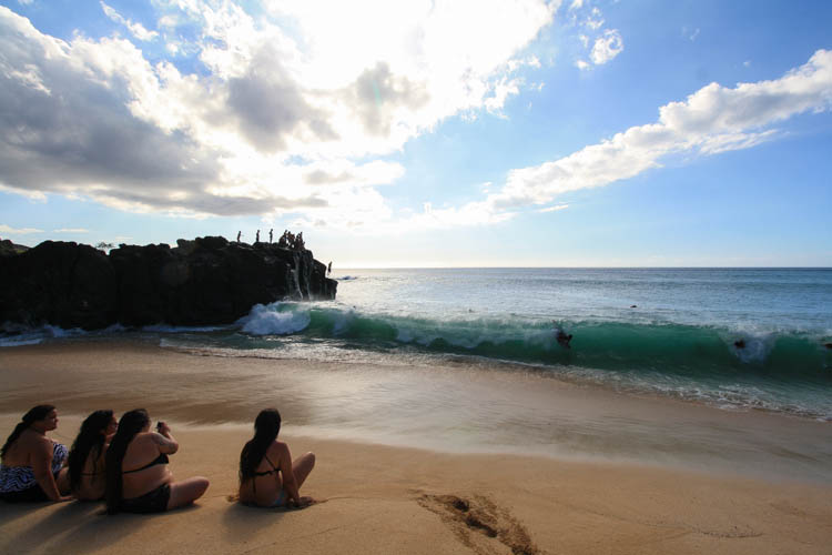 waimea-bay-beach-park