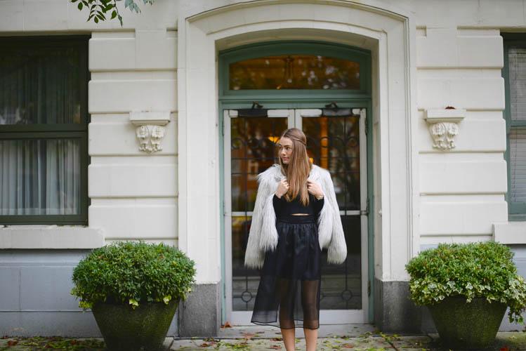 Sutie-skirts-fur-coat-5