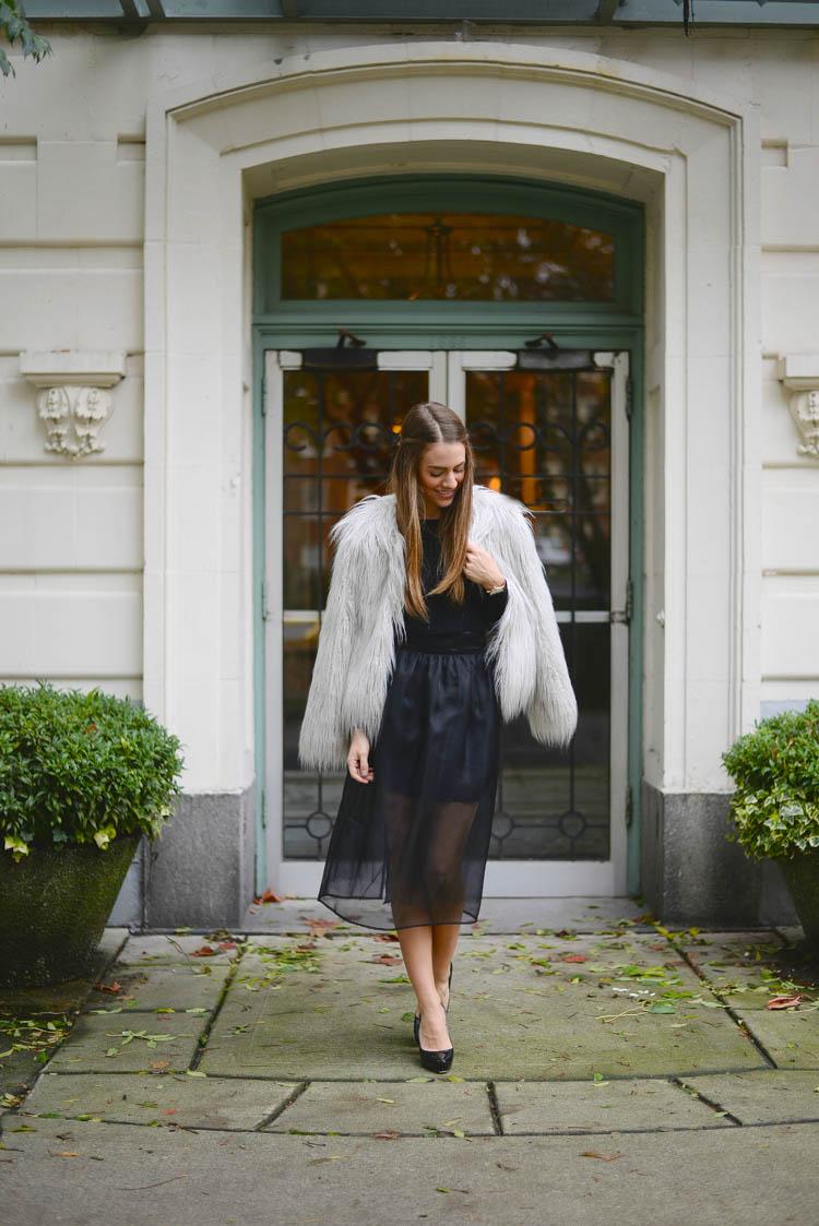 Sutie-skirts-fur-coat-1