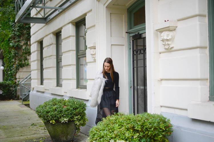 Sutie-skirts-fur-coat-3