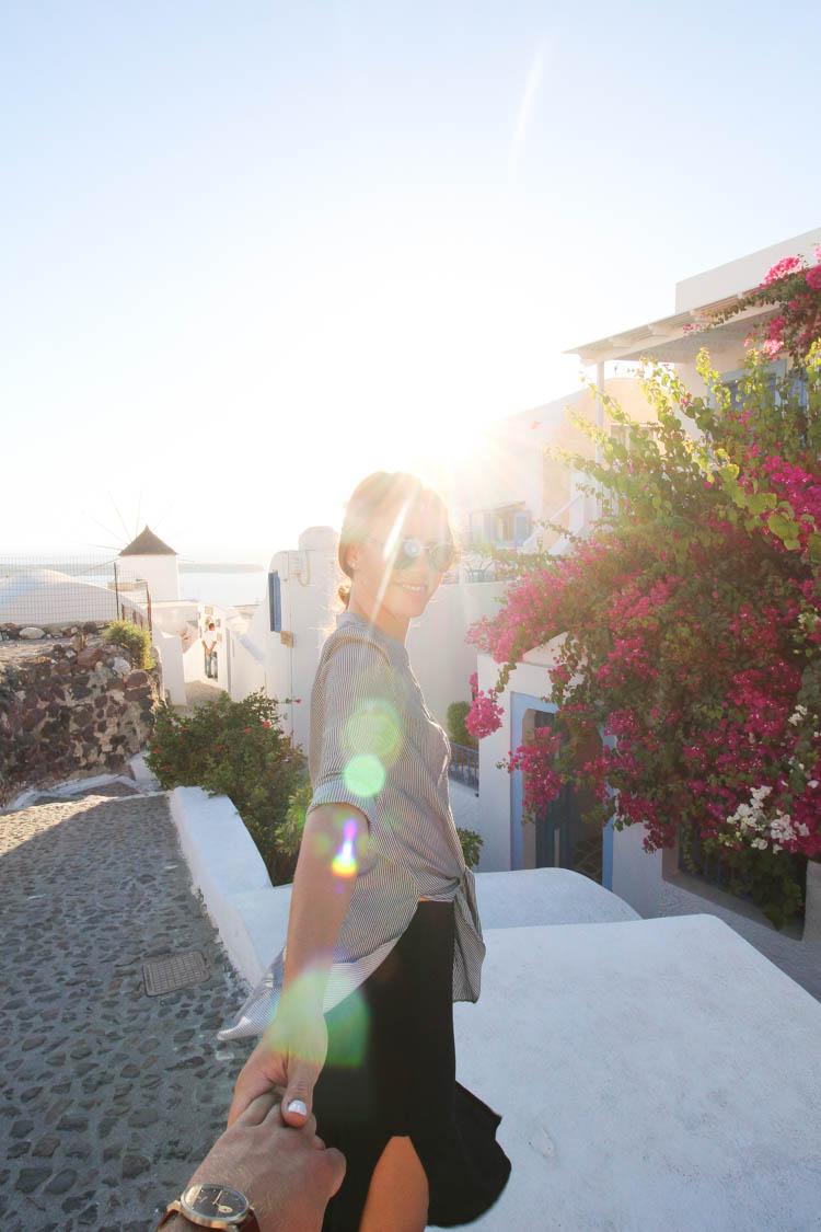 Follow me in Santorini