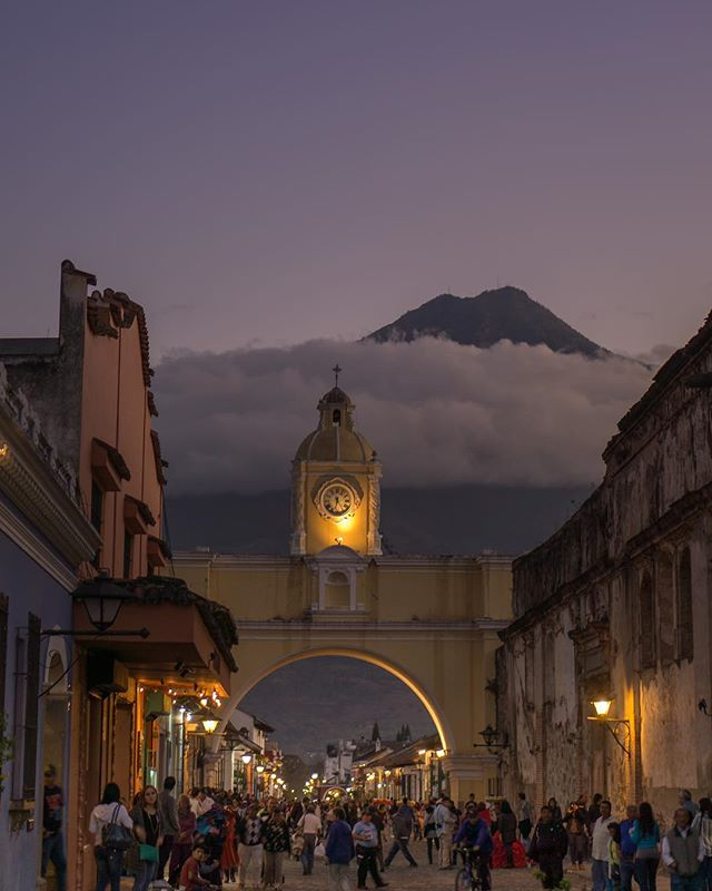 Throwback to Antigua, Guatemala.  Night markets and volcanoes 🌋 . . .  #yyjconstruction #aluminumrailing #glassrailing #glassrailings #victoriabc #yyj #newhomebuilder #powdercoating #picketrailing #stairrailing #gardencity #allglass #balcony #balconyrailing #victoriabc #opentopglass #glass #interiorglass #floatingstairs #photography #sonya6000 #colourtheory #photographer #architecture #architecturephotography #powdercoating #industrialdesign #coating #antigua #guatemala #streetmarket #travel