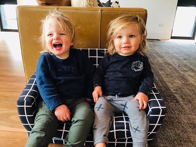 Cousin love is just a little bit cute. With 4 months between them they will be running rings around us all in know time. I honestly can't wait to watch these monkeys get up to all sorts of mischief 🙈🙈